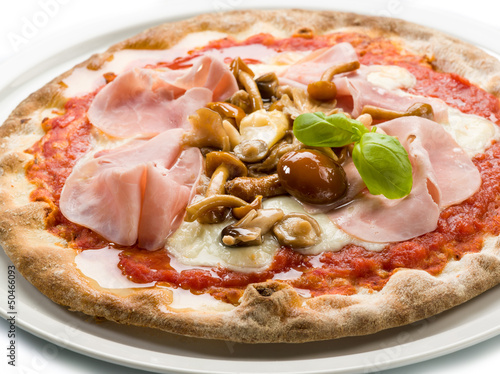 pizza with ham and mushroom