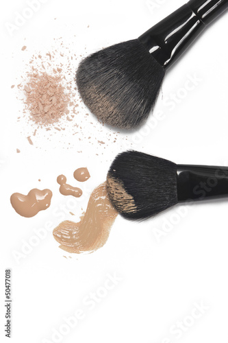 Foundation and powder with brushes
