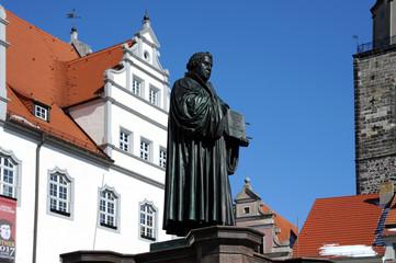 Lutherdenkmal vor dem Rathaus Wittenberg