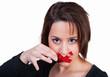 Frau bricht das Schweigen