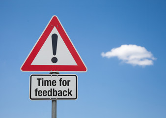Achtung Schild mit Wolke TIME FOR FEEDBACK
