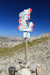 Dolomiti - directions in Selle pass
