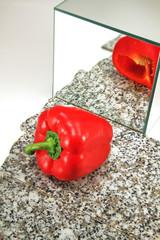Spiegelbild einer Paprika