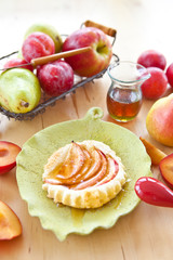 Apple tart with fresh fruit