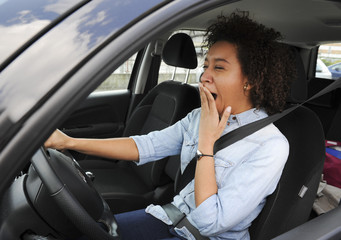 Fatigue au Volant-Jeune Femme s'endormant