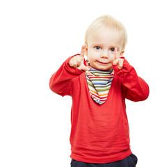 Kind lernt Zählen mit zwei Fingern