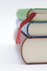 Bücher und Lesebändchen