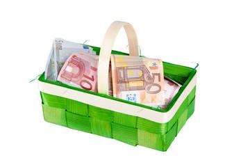 Osterkörbchen mit Geldscheinen
