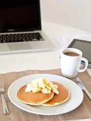 ビジネスマンの朝食