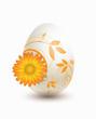 Osterei mit floralem Ornament und Ringelblume
