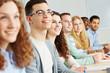 Viele Schüler lernen in Fachhochschule