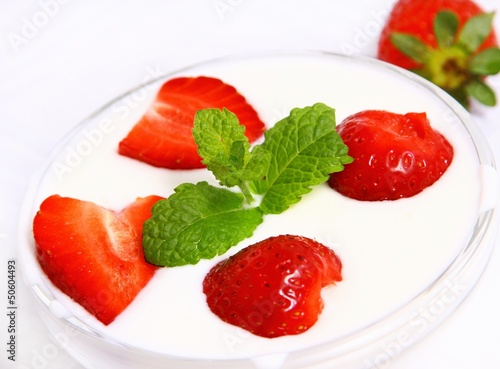 Strawberries with yogurt and mint