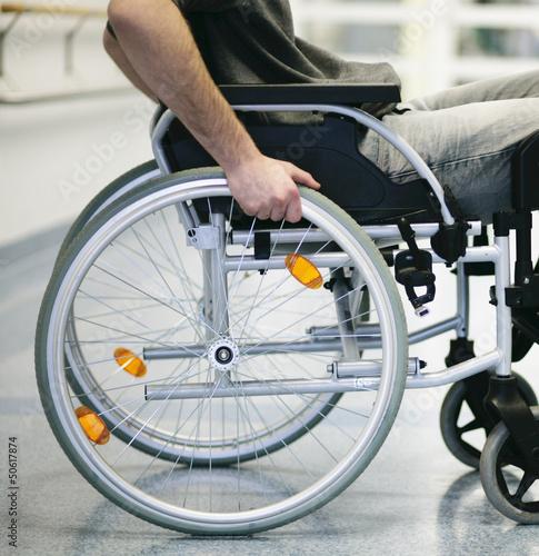 Leinwandbild Motiv Rollstuhl