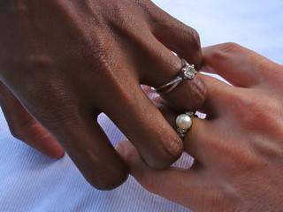 Verlobung von zwei Frauen