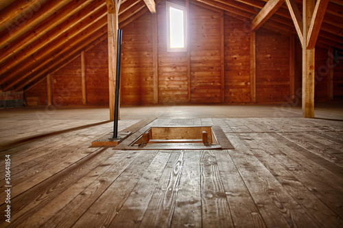Dachkammer aus Holz