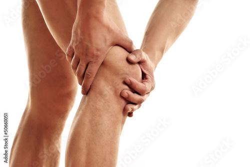 Mann mit Verletzung im Knie