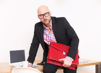 Attraktiver Geschäftsmann im Büro
