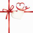 Rote Schleife mit Herzlabel und Herzband