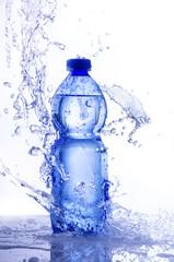 acqua splash in bottiglia