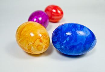ostereier in verschiedenen farben