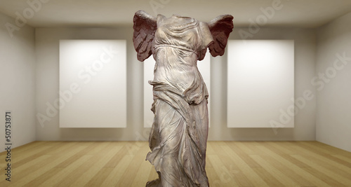 Samotracia, Empty gallery, 3d room with greek sculture, Ancient