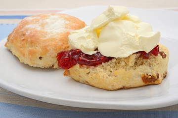 Fruit scone on plate