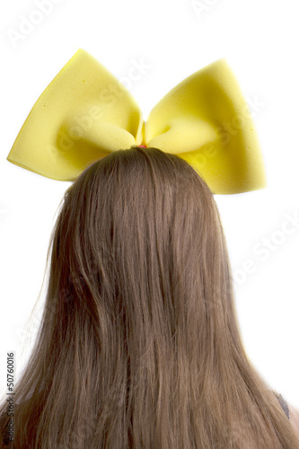 Girl's head with bow