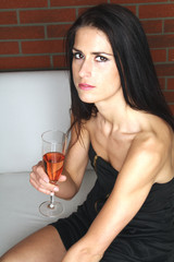 Frau im Party Kleid