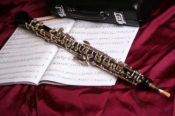 Oboe auf Notenheft