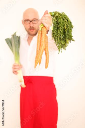 Model mit Karotten und Lauch