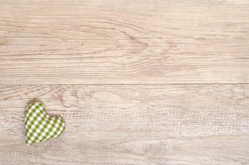 Grün kariertes Herz aus handgemachten Stoff