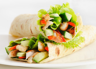 Tortilla chicken wraps