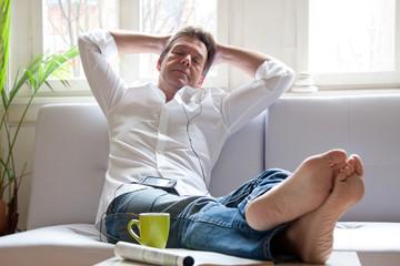 Entspannung auf dem Sofa