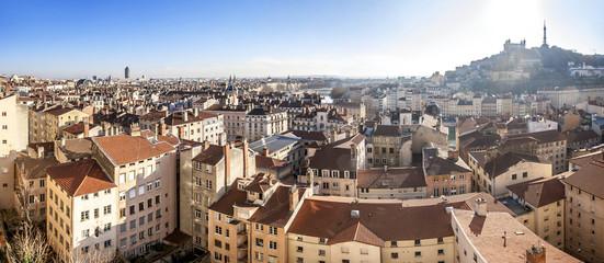 Panorama de la ville de Lyon de Fourvière au crayon