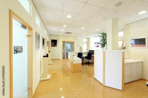 Arztpraxis mit Behandlungsräumen - 50828003