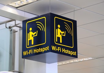 Wi-fit hotspot sign © Arena Photo UK