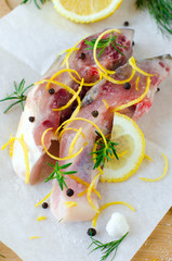Fish with lemon and spices