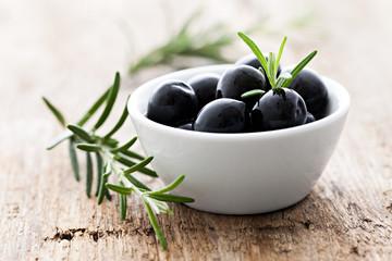 Oliven schwarz
