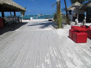 pasarela de madera a la playa