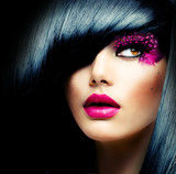 Fototapety Fashion Brunette Model Portrait. Hairstyle