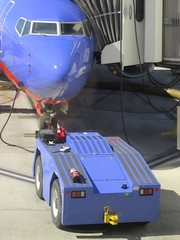plane maintenance, refueling the aircraft