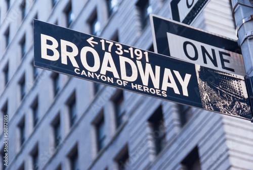 broadway-sign-nowy-jork