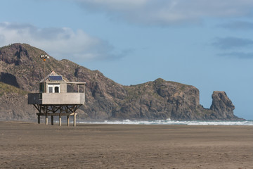 lifeguard hut at Bethells beach
