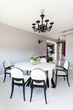 Vibrant cottage - White dining room
