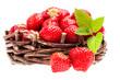 Erdbeeren im Weidenkorb