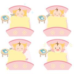 ベッドで眠る赤ちゃん お昼寝 女の子