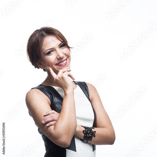 Hübsche nachdenkliche Frau