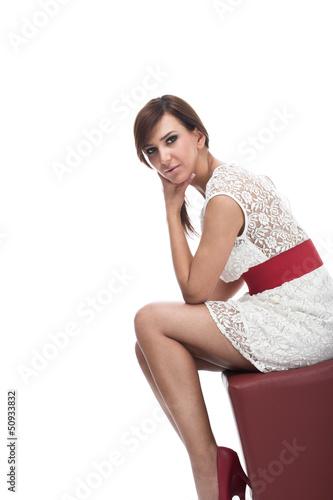 Elegante Frau im Minikleidchen