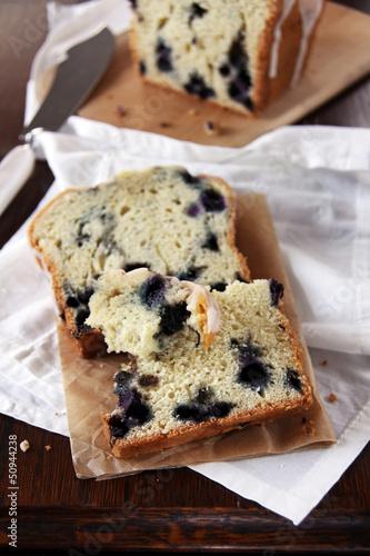 zitronenkuchen mit blaubeeren