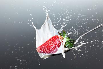 Erdbeere Milch splash